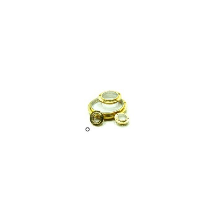 Hublots très détaillés avec trous pour mise en place de micro boulons ou rivets.