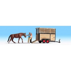 HO / Transport de cheval. 2 figurines + 1 animal + accessoires